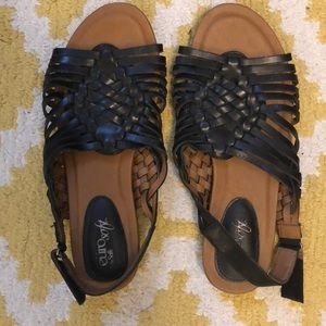Eurosoft by Sofft woven black sandals.
